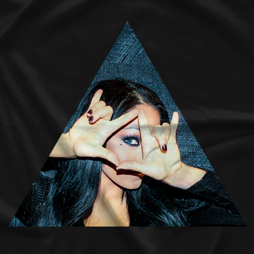 Mandy Leon Hand Symbol T-shirt